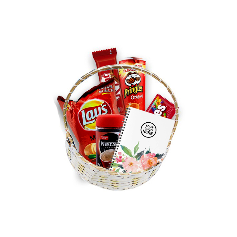 Candi, Lays 27 g, Coffee 50g, Pringels 107g, 2 Kitkat, Skittles 38g, Notebook